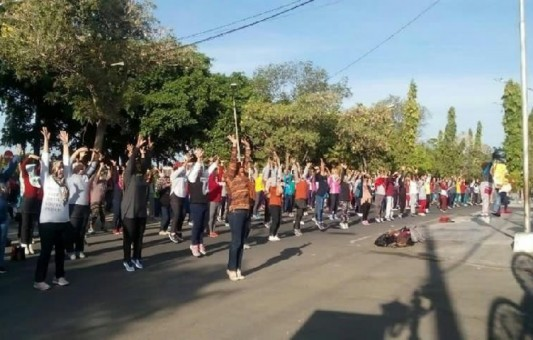 Masyarakat Ngawi Ramaikan Senam Bersama Gerakan Indonesia Sehat