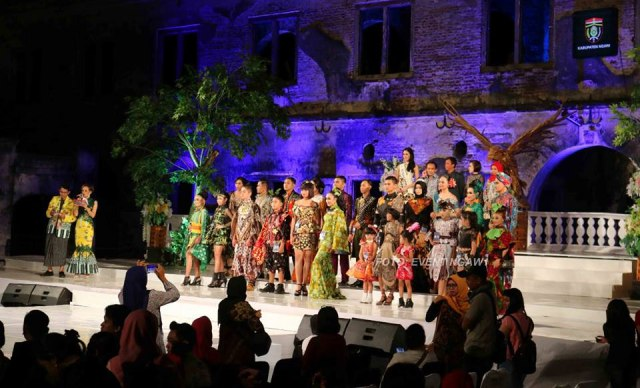 Hari pertama Ngawi Batik Fashion 2018, Jumat (07/09/2018), di Benteng Van Den Bosch. Foto-EventNgaw1/Tq