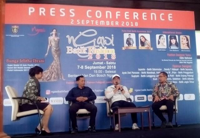 Bupati Ngawi dalam Press Conference Ngawi Batik Fashion 2018 di Museum Trinil, Minggu (02/09/2018). Foto-KampoengNgawi.com/Fri