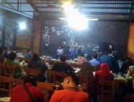 Kasat Lantas dan Kasat Reskrim Polres Ngawi Jalin Silaturrahim dengan Media dan Komunitas