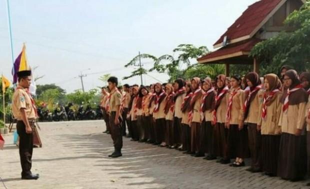 Seluruh Mahasiswa Baru STKIP Modern Ngawi Ikuti Penerimaan Tamu Racana Pramuka