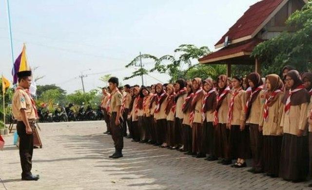 Mahasiswa baru STKIP Modern Ngawi ikuti Penerimaan Tamu Racana Pramuka, Minggu (07/10/2018). Foto-Dok. STKIP Modern