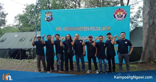 Netizen Ngawi berfoto bersama di lokasi Jambore Netizen Polda Jatim. Foto-Istimewa