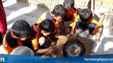 Photo of Serunya Siswa SD Luqman Al Hakim Studi Rekreatif Belajar Proses Pembuatan Batu Bata