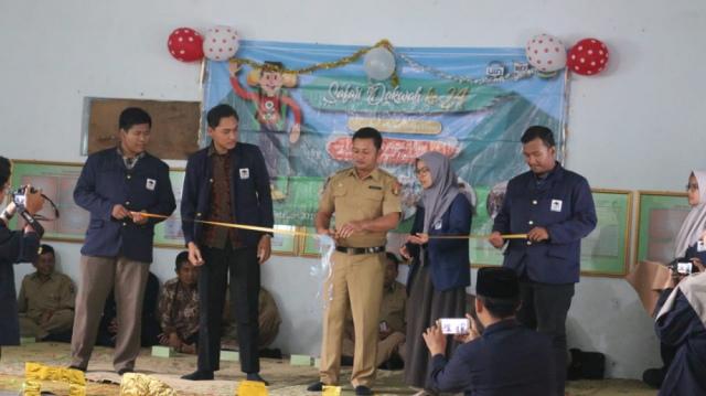 Safari Dakwah Mahasiswa BPI UIN Syarif Hidayatullah Jakarta dibuka secara resmi oleh Kepala Desa Wonosari, Sine, Selasa (22/01/2019). Foto-Istimewa