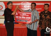 LMDH Ngawi Menerima Rp 300 Juta Uang Bagi Hasil Produksi dari Perhutani