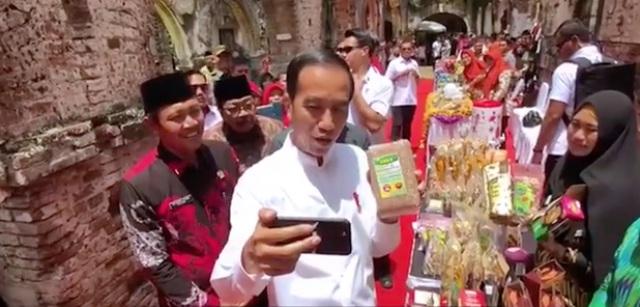 Beras Merah Putih Organik Ngawi Mencuri Perhatian Presiden Jokowi. Capture-Vlog Jokowi