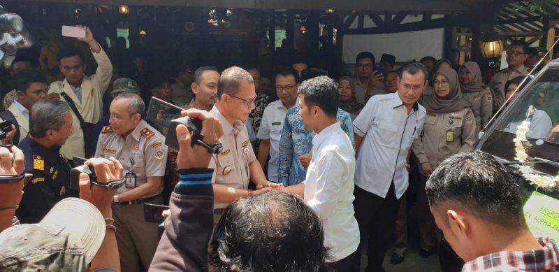 Emil Dardak Bersama Kepala Barantan dan Pemda Ngawi Melepas Produk Pertanian ke 82 Negara, Rabu (27/02/2019). Foto-Dok. Barantan RI