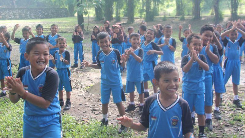 Siswa-siswi SD Negeri Pangkur 2 Mengikuti Experiential Learning dengan penuh semangat, Kamis (07/02/2019). Foto-KampoengNgawi.com/Mattin Budi Kusuma