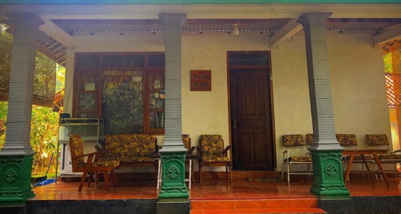 Homestay Bu Saidi dengan fasilitas 3 kamar, pemanas air, makan pagi, dan makan malam untuk 2 orang. Foto-Istimewa