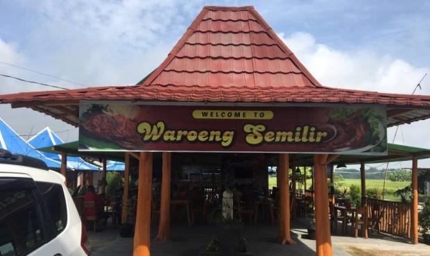 Asyiknya Menikmati Kuliner Pinggir Sawah di Waroeng Semilir