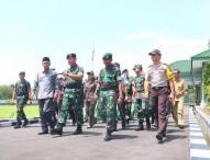 Panglima Divisi Infanteri 2 Kostrad Meninjau Pangkalan Yon Armed 12 Ngawi