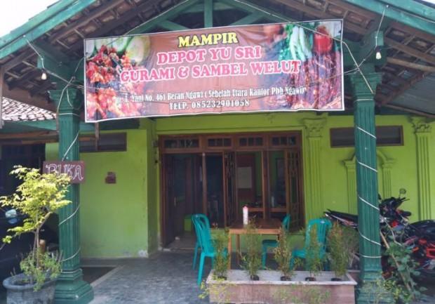 Spesial Gurami Bakar dan Sambel Welut di Depot Yu Sri Beran