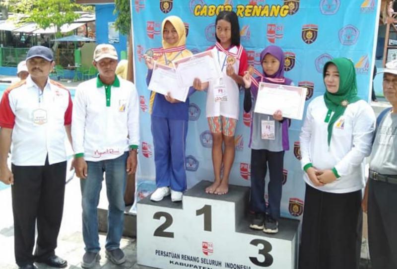 Juara O2SN SD Ngawi 2019 Cabang Renang Putri. Foto-Istimewa