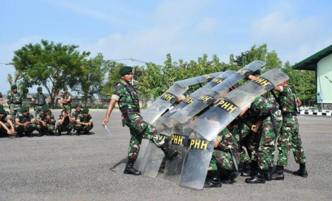 Personel Armed 12/Kostrad Ngawi adalah Latihan Penanggulangan Huru Hara  jelang Pemilu 2019. Foto-Istimewa