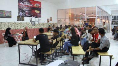 Photo of Komunitas Semprong Kenalkan Film Asmaragati kepada Masyarakat Ngawi
