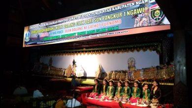 Photo of Dalang Cilik Gathot Purnomo Bawakan Lakon Dewa Ruci di Anjungan Jatim TMII