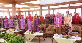 Gerakan Organisasi Wanita Ngawi Adakan Seminar Berbusana Sesuai Etika dan Estetika
