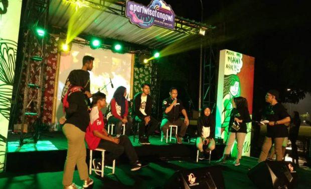 Disparpora Gelar Mini Talkshow Pegiat Medsos di Alun-Alun Ngawi