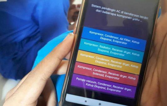 Siswa SMK PGRI 1 Ngawi Latihan Ujian Online Menggunakan Aplikasi Android