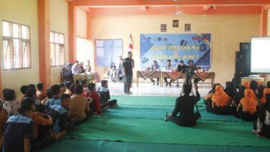 Photo of SMKN 1 Paron Gelar Workshop Optimasi Media Sosial dan Penjabaran UU ITE