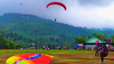 Photo of Festival Paralayang Ngawi Diikuti Ratusan Peserta Dari Berbagai Daerah