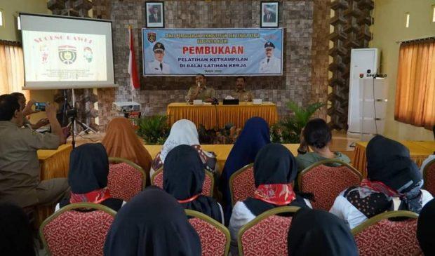 DPPTK Ngawi Berikan Pelatihan Keterampilan Guna Menekan Angka Pengangguran di Ngawi