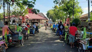 Photo of Ratusan Tukang Becak Ngawi Terdampak COVID-19 Menerima Bantuan Paket Sembako