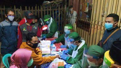 Photo of Giliran Pedagang di Pasar Kendal, Gentong, dan Kedunggalar yang Mengikuti Rapid Test