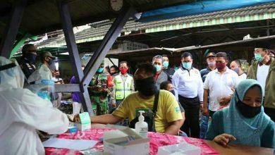 Photo of Ratusan Pedagang di Pasar Beran dan Pasar Ngawi Jalani Rapid Test, Begini Hasilnya