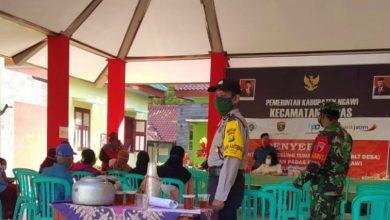 Photo of 373 Keluarga dari 12 Desa di Kecamatan Padas Menerima BLT Dana Desa Tahap 2