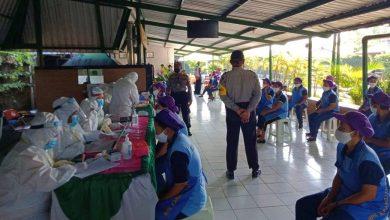 Photo of 895 Karyawan PT Dewi Murni Abadi Karangjati Ikuti Rapid Test Massal