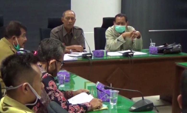 Photo of DPRD Ngawi Hadirkan Panitia dan Perangkat Desa Warukkalong dalam Rapat Dengar Pendapat Terkait Isu Kecurangan Seleksi Perangkat Desa