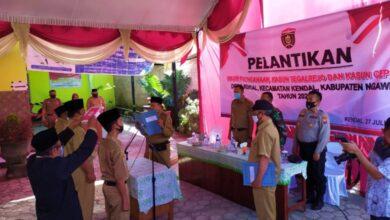 Photo of Desa Kendal Selenggarakan Pelantikan Tiga Perangkat Baru Hasil Seleksi Minggu Lalu