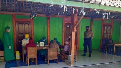 Photo of Puluhan Warga Ikuti Rapid Test Menyusul Adanya 1 Warga Terkonfirmasi Positif COVID-19 di Wilayah Kecamatan Jogorogo