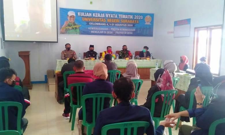 Photo of Sampai Akhir Agustus Mendatang, 13 Mahasiswa Unesa Melaksanakan KKN di Desa Simo