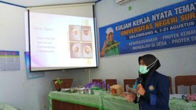 Photo of Gandeng Pembudidaya Jamur Tiram dan Pengrajin Anyaman, Mahasiswa KKN Unesa Ciptakan Ikino Nugget